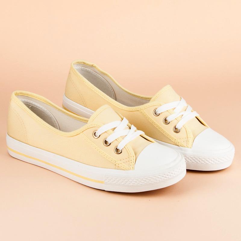935ae18dc723 Klasické žlté tenisky na zaväzovanie na šnúrky - Dámske prádlo a doplnky