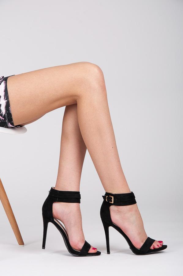 3188d63ad Letné a sexi čierne dámske sandále - Dámske prádlo a doplnky