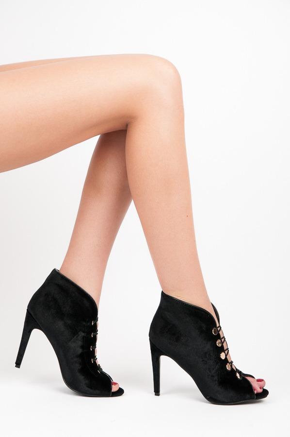 0c726589d564 Módne čierne topánky s otvorenou špičkou - Dámske prádlo a doplnky