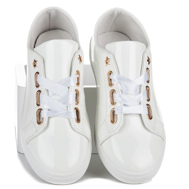 Nádherne lakované biele tenisky so stužkou - Dámske prádlo a doplnky 1b784a7fa3c