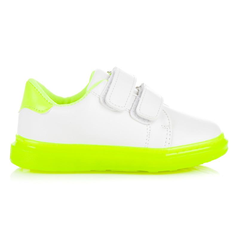 Pohodlné biele tenisky na zelenej podrážke - Dámske prádlo a doplnky 044407539b5