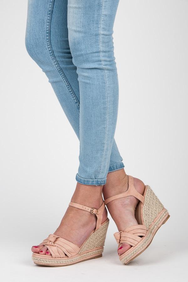 0615232a7c0ff Pohodlné ružové sandále na kline a platforme - Dámske prádlo a doplnky